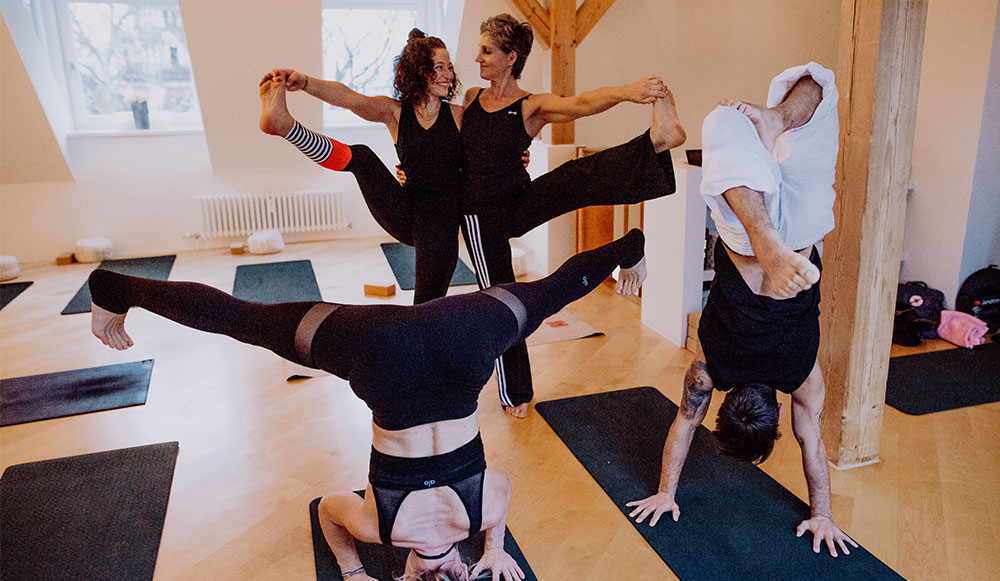 yoga_mani
